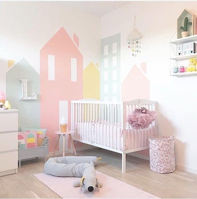 peinture géométrique: peinture pastel chambre d enfant