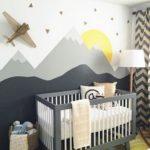 peinture géométrique pour chambre d'enfant