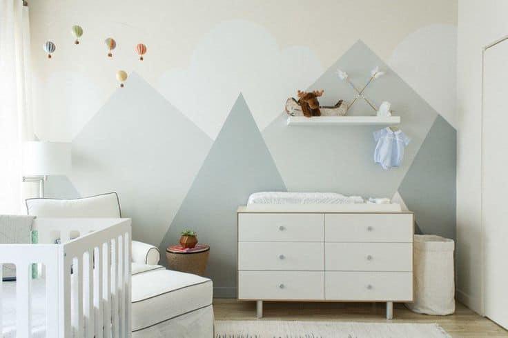 peinture géométrique pour chambre de bébé