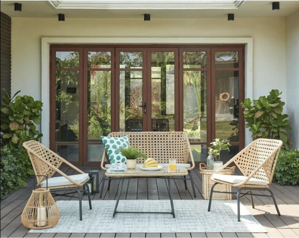 Salon de jardin en rotin pour aménager sa terrasse